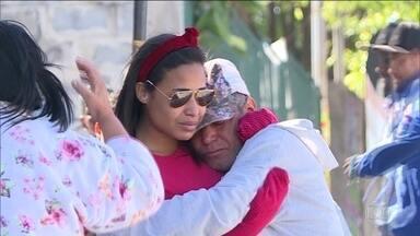 Polícia de Minas investiga mais dois casos de violência contra mulheres - Um dos criminosos levou um arsenal para tentar matar a ex-namorada. Em outro caso, a polícia ainda procura pelo suspeito de ter esfaqueado e matado a ex-companheira.