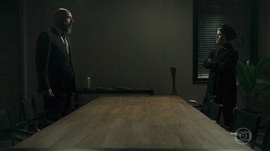 Gabriel e Dalila discutem - Dalila o ameaça e ele manda Fernando fugir da cidade