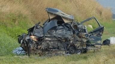 Motorista de carro envolvido em acidente com grupo Sampa Crew é enterrado em Jarinu - O corpo do motorista do carro que bateu na van que levava o grupo Sampa Crew foi enterrado em Jarinu (SP) nesta terça-feira (20).
