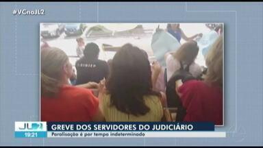 Servidores do Poder Judiciário fazem ato público em frente ao Fórum Criminal de Belém - Os servidores entraram em greve por tempo indeterminado.