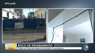 Risco: prédio em Feira de Santana já afundou 5 cm; área foi isolada pela Codesal - Devido o isolamento, o Mercado de Arte Popular da cidade também ficou interditado na segunda-feira (19).