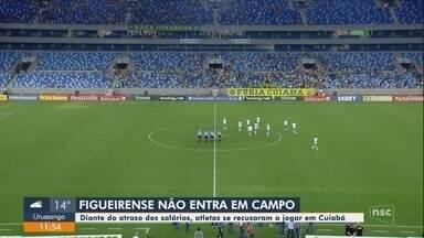 Jogadores do Figueirense não entram em campo e Cuiabá vence por W.O. na Série B - Jogadores do Figueirense não entram em campo e Cuiabá vence por W.O. na Série B