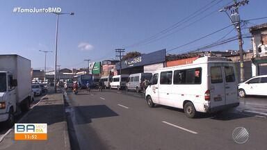 Manifestação: motoristas de transporte alternativo pedem regularização da profissão - Protesto começou nesta quarta-feira (121) por volta das 8h.