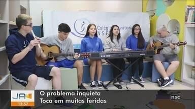 Conheça os finalistas do concurso 'Nossa Voz Por Elas' do JA - Conheça os finalistas do concurso 'Nossa Voz Por Elas' do JA