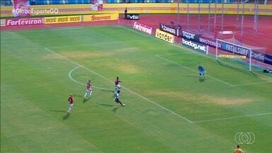 Vila Nova perde para o Sport e volta a se complicar na Série B - Tigrão é derrotado pelo Leão por 2 a 0 no estádio Olímpico e segue próximo da zona de rebaixamento