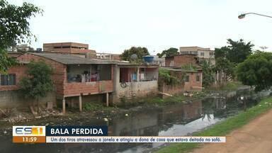 Mulher é atingida por bala perdida em Vila Velha, ES - A polícia acredita que os tiros foram disparados em Sotelândia.