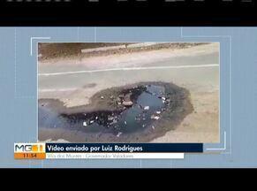 VC no MG: Morador do Bairro Vila dos Montes reclama de vazamento em rua de GV - O homem mora na Rua Monte Branco, em Valadares. Ele reclama sobre a Prefeitura não solucionar o problema de um bueiro a céu aberto.