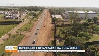 Obras de duplicação de rodovia são retomadas com serviços de terraplanagem e drenagem - Previsão é que nova etapa fique pronta até 2021. Pistas ficarão mais amplas para o tráfego entre Macapá e Santana. Projeto foi lançado nesta quinta-feira (22).
