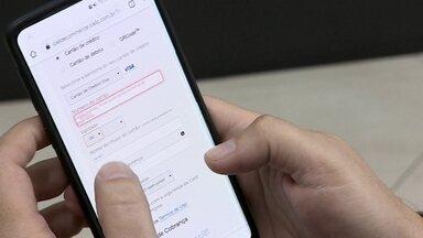 Sistema de pagamento da Cielo facilita o contato entre empresário e cliente - Gráfica usa o sistema para facilitar o pagamento. Contato é feito rapidamente por aplicativo de mensagens.