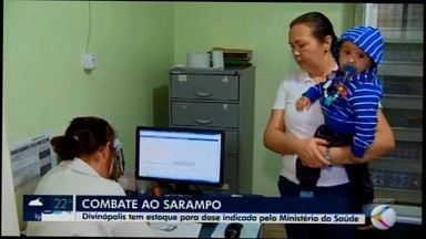 Estoque de vacinas contra o sarampo está normalizado em Divinópolis - Segundo a Gerência Regional de Saúde, município recebeu 24 mil doses este ano. Quantidade consegue imunizar todos os públicos.