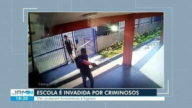 Armados, assaltantes invadem escola e roubam funcionários na Zona Leste de Manaus - Crime ocorreu na manhã desta sexta-feira (23) em uma escola estadual.