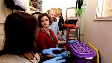Quarto da Bagunça - Mais do que bagunceiro, o Marcelo é um verdadeiro acumulador. Na casa dele, Micaela dá dicas de como o quarto da bagunça pode ser organizado.