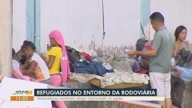 No entorno da rodoviária de Manaus, refugiados montam abrigo improvisado - Venezuelanos relatam as dificuldades no país de origem.