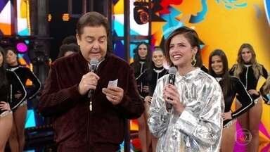 Agatha Moreira relembra sua participação no 'Dança dos Famosos' - Faustão recebe a atriz que brilha como a malvada Jô na novela 'A Dona do Pedaço'