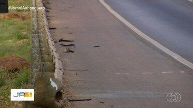 Família denuncia que técnico em manutenção foi espancado após briga de trânsito na BR-153 - Segundo parentes, Weides Xavier Afonso, 43, teve traumatismo craniano, foi operado e está internado em estado grave. Esposa da vítima espera que câmeras da rodovia possam ajudar a encontrar agressor.