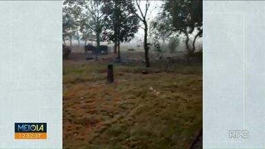 Morador comemora a chegada da chuva no Noroeste - Teve queda de granizo em Querência do Norte e Tapira.