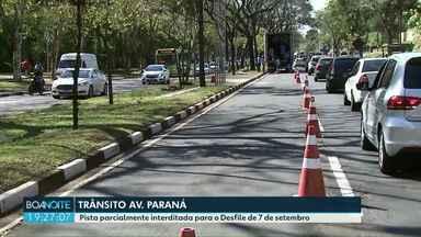 Mudanças temporárias no trânsito na Av. Paraná em Foz do Iguaçu - Pista parcialmente interditada para o Desfile de 7 de setembro.