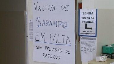 Unidades de saúde em Jundiaí registram falta de vacinas contra sarampo - Aumento na procura cresceu cerca de 600% em apena um mês na cidade, onde há 12 casos de sarampo confirmados.