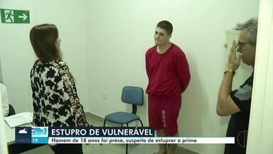 Rapaz investigado por estuprar a prima de 5 anos em Montes Claros é apresentado pela PC - Criança teria sido abusada na casa em que mora com os pais, no Bairro São Judas; prisão foi feita em Belo Horizonte no mês passado, onde o investigado mora.