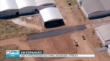 Aeródromo de São Sebastião tem obras particulares pra todo lado - Mesmo sendo terreno público, várias intervenções são feitas pelo local. A Terracap ganhou na Justiça o processo de reintegração de posse.