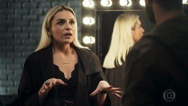 Kim se enfurece com Fabiana por encerrar contrato com ela na fábrica - Ela é dispensada por telefone. Fabiana manda Márcio chamar Maria da Paz para uma conversa