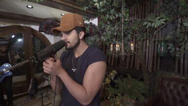 Making Of Luan Santana - Viva - O Making Of mostra os bastidores do show, com imagens inéditas e depoimentos dos fãs de Luan Santana e da equipe responsável pelo projeto que é o maior DVD da carreira do cantor.
