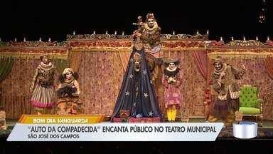 """Teatro de São José recebe peça """"O Auto da Compadecida"""" - Encenação era uma das mais esperadas do Festivale."""