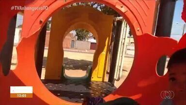 Brinquedo quebrado em parquinho preocupa pais no Jardim Aureny III - Brinquedo quebrado em parquinho preocupa pais no Jardim Aureny III