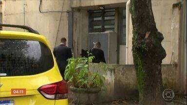 PM suspeita de ter efetuado disparos que mataram pedreiro no RJ presta depoimento - O caso aconteceu na terça-feira, durante um tiroteio entre policiais e traficantes. O homem morreu com um tiro nas costas, enquanto trabalhava.