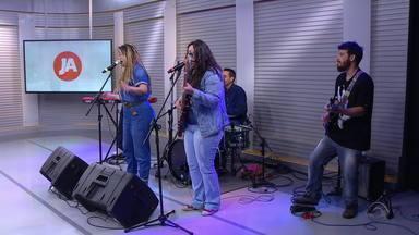 Tati Portella lança novo álbum em Porto Alegre nesta quinta (5) - Confira a apresentação da cantora no estúdio do Jornal Nacional.
