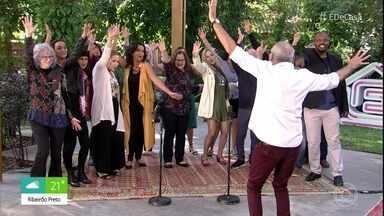 Pop Coro canta 'Felicidade' - Confira