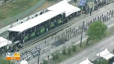 Desfile da Independência reúne civis e militares na Zona Sul do Recife - Desfile teve a presença de estudantes e famílias na Avenida Mascarenhas de Morais.