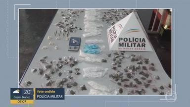 PM apreende drogas e R$ 18 mil em favelas de BH - Materiais foram encontrados no Morro do Papagaio e no Aglomerado da Serra.
