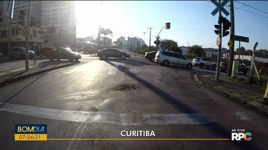 Trânsito intenso na região da rodoviária, na manhã desta segunda-feira (09) - Setran fez algumas alterações no trânsito para deixar o trânsito menos complicado.