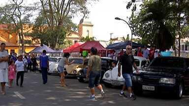 Itaquaquecetuba recebe exposição de carros antigos e ação de saúde - A programação do aniversário da cidade segue até o fim do mês de setembro.