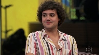 George Sauma fala sobre seu interesse pela música - George lista as qualidades e elogia o humor de Pedroca Monteiro