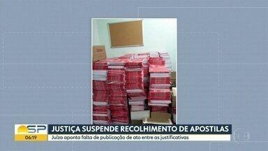 Justiça suspende recolhimento de apostilas do oitavo ano da rede estadual - Juíza aponta falta de publicação de ato administrativo entre as justificativas
