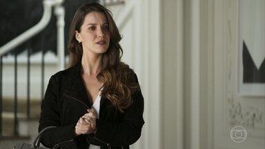 Fabiana debocha de Jô após receber dinheiro de chantagem - A ex-noviça é expulsa da mansão