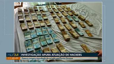 Gaeco cumpre mandado de prisão em Ponta Grossa em operação que investiga hackers - O grupo é investigado por transações bancárias fraudulentas através de sites falsos.