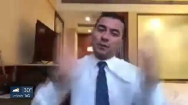 Áudios mostram que Luis Miranda fez negócios para empresa dele durante viagem pela Câmara - Caso foi denunciado ao MPF e ao Conselho de Ética da Câmara. Deputado nega irregularidade.