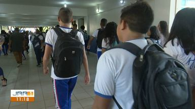 Alunos do Ayrton Senna começam a estudar na Escola Estadual Ana Libória, em Boa Vista - Escola foi interditada devido às péssimas condições estruturais.