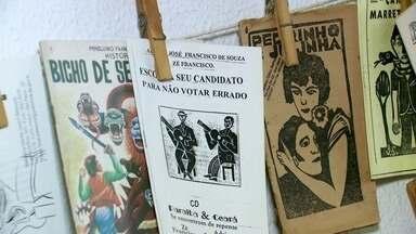 Biblioteca Mário de Andrade expõe acervo de literatura de cordel - Exposição reúne 150 obras, entre elas um livreto impresso em Lisboa em 1692. Em Itu, visitantes acompanham produção do café em fazenda.