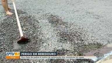 Moradores reclamam de falta de asfalto em ruas de Bebedouro, SP - Prefeitura informou que resolverá problema em três meses.