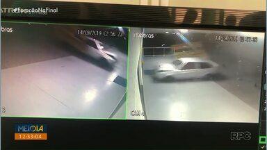 Carros invadem comércios de Cascavel e deixam prejuízos - Dois acidentes foram registrados na cidade, os carros perderam o controle em dois locais diferentes e deixaram prejuízos aos comerciantes.