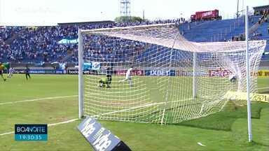 Londrina ganha de virada por 2x1 do Coritiba e se afasta da zona de rebaixamento - O Tubarão conseguiu estancar uma sequência de oito jogos sem vitórias. A virada veio nos acréscimos com um gol aos 46 do segundo tempo.