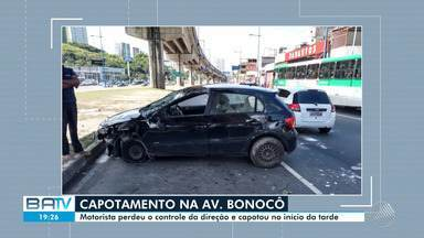Acidente deixa o trânsito complicado na Avenida Bonocô - Apesar do susto, ninguém ficou ferido.