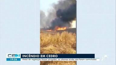 Áreas de vegetação são atingidas em incêndio em Cedro - Saiba mais em g1.com.br/ce