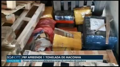 PRF apreende uma tonelada de maconha em caminhão baú na BR-277 - Fardos da droga estavam escondidos em meio a estrados de madeira.