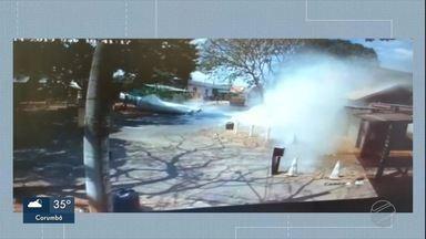 Câmera flagra queda de caixa d'água - Por meio de nota a concessionária Águas Guariroba informou que está prestando o suporte técnico após a queda.