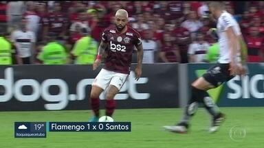Brasileirão: Flamengo bate Santos e dispara na ponta - Com gol de Gabigol no fim do primeiro tempo, o time carioca garantiu a vitória por 1 a 0.
